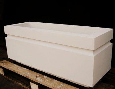 Прямоугольная бетонная цветочница